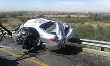 Woman dies after vehicle rolls on R500, Fochville
